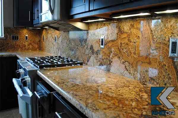 đá bàn bếp vàng hoàng gia