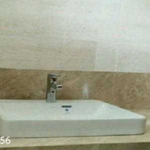 đà lavabo vân gỗ chéo