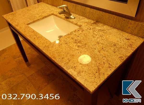 bàn đá lavabo vàng hoàng gia