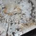 Cách xử lý làm sạch mặt đá bếp trắng bị ngấm ố vàng hiệu quả không ngờ