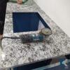 Đá ốp mặt bàn bếp trắng Alaska